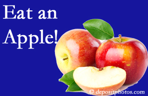Toronto chiropractic care recommends healthy diets full of fruits and veggies, so enjoy an apple the apple season!
